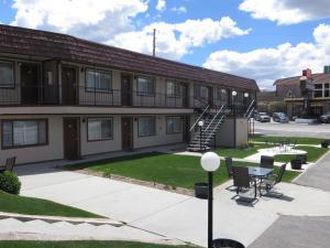 Bristlecone Motel, Motels - Ely