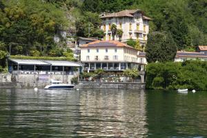 Camin Hotel Colmegna - AbcAlberghi.com
