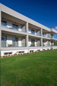 Marinos Beach Hotel-Apartments, Aparthotels  Platanes - big - 68