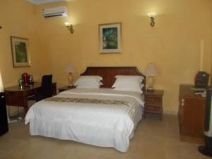 Seaside Suites and Hotel, Hotels  Freetown - big - 39