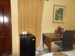Seaside Suites and Hotel, Hotels  Freetown - big - 38
