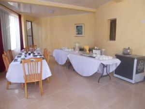 Seaside Suites and Hotel, Hotels  Freetown - big - 33