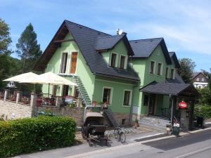 Albergues - Penzion a restaurace \