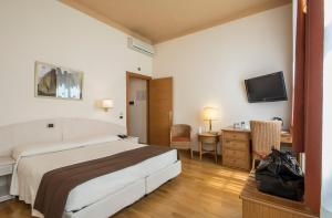 Piazza Paradiso Accommodation, Affittacamere  Siena - big - 112