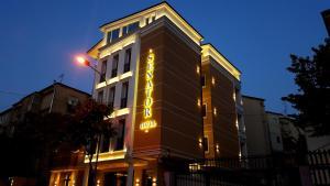 Senator Hotel, Отели - Тирана