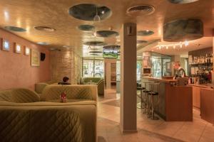 Hotel Divesta, Отели  Варна - big - 53