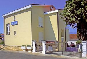 Guesthouse Villa Adria, Penziony  Malinska - big - 12