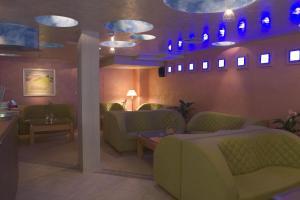 Hotel Divesta, Отели  Варна - big - 49