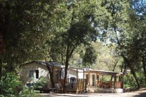 Location gîte, chambres d'hotes Camping de la Foux dans le département Var 83