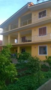 Guest House Fatos Biti - (( Shelk ))