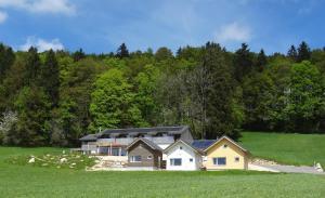 Gîte Chez Toinette - Accommodation - Saignelégier