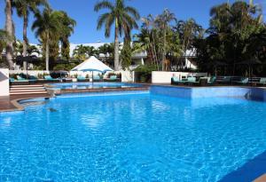 Shangri-La Hotel The Marina Ca..