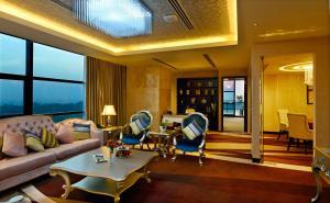 Radisson Blu Chattogram Bay View, Hotel  Chittagong - big - 15