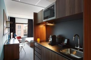 Suite with Kitchenette The Student Hotel Groningen