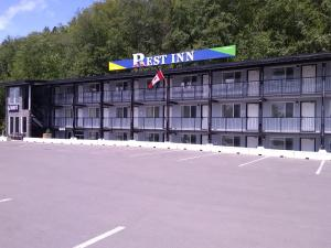 Rest Inn - Accommodation - Terrace