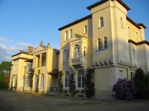 B&B Domaine de La Corbe, Bed & Breakfast  Bournezeau - big - 4