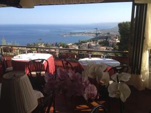 Villa Greta Hotel Rooms & Suites, Hotels  Taormina - big - 83