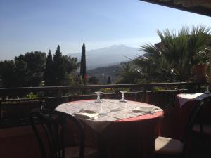 Villa Greta Hotel Rooms & Suites, Hotels  Taormina - big - 20