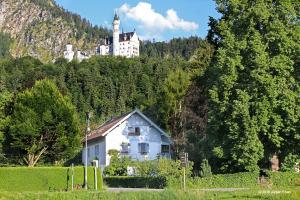 Romantic-Pension Albrecht - since 1901 - Hohenschwangau