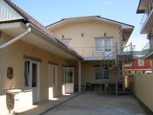 Aprel Guest House - Arkhipo-Osipovka