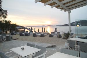 Agia Anna on the beach, Hotels - Paraga