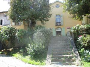 Accommodation in Galan