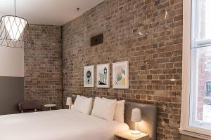 Aarons Hotel Sydney - by 8Hotels