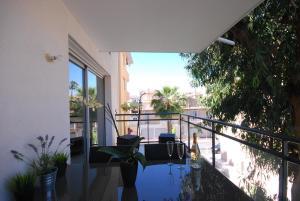 Appartement Deux Chambres avec Terrasse - Centre Cannes