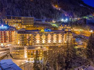 Mondi-Holiday First-Class Aparthotel Bellevue - Hotel - Bad Gastein