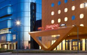 Отель Hampton by Hilton ExpoForum