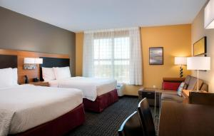 TownePlace Suites Orlando at Flamingo Crossings/Western Entrance (28 of 33)