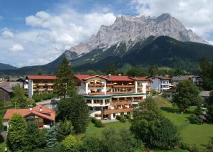 Sporthotel Schönruh - Hotel - Ehrwald