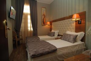 Hotel Boutique Restaurant Gloria, Отели  Тирана - big - 67