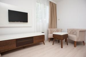 Hotel Adrović, Hotely  Sveti Stefan - big - 12