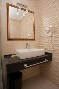 Hotel Adrović, Hotely  Sveti Stefan - big - 15