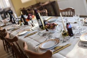 Pensiunea Casa Diaspora, Bed & Breakfast  Târgu Jiu - big - 109
