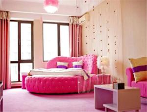 Sweet House Theme Apartment(Da Lian Yi Feng New Town Apartment Branch), Apartmanok  Csincsou - big - 15