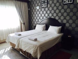 Logos Guest House, Bed & Breakfasts  Pietermaritzburg - big - 16