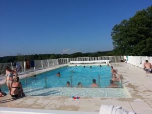 Location gîte, chambres d'hotes Camping du Lac de Bournazel dans le département Corrèze 19