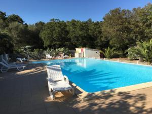 Location gîte, chambres d'hotes Camping Pezza Cardo dans le département Corse du Sud 2a