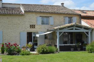 Location gîte, chambres d'hotes Les Chenets dans le département Deux Sèvres 79