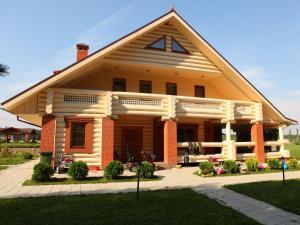 Eco-Village Uhnovgrad - Mikhal'chukovo