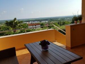 Istria Holiday Home Villa Adriatic, Vily  Kaštelir - big - 52
