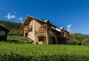 Location gîte, chambres d'hotes Les Ribambelles dans le département Hautes alpes 5