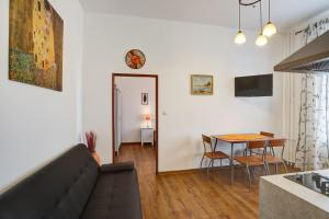 Apartment Grimms Haus, Apartmány  Karlovy Vary - big - 6