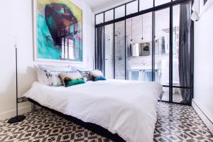Romantic Artist Room Montmartre Bed & Breakfast - Colombes
