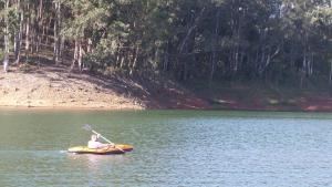 Pousada Canto do Lago, Гостевые дома  Пиракая - big - 71