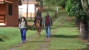 Pousada Canto do Lago, Гостевые дома  Пиракая - big - 77