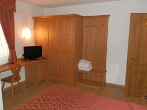 Hotel Milano, Hotely  Asiago - big - 38
