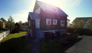 Melur Guesthouse - Hvalfjörður